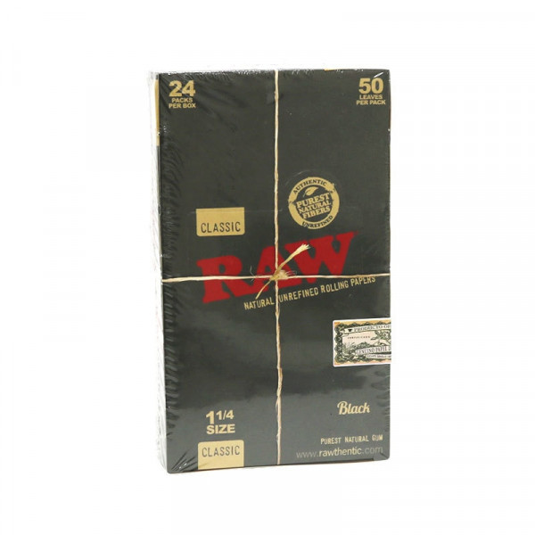 RAW Black Classic Rolling Papers - 1 1/4